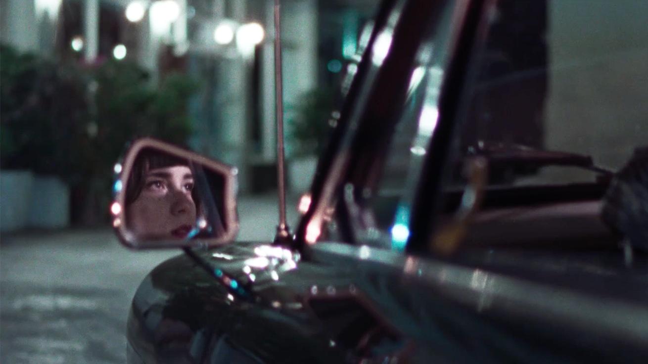 Antonis Kounellas Cinematographer-Molly 6-8